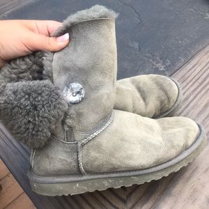 UGG Women's Bailey button bling boot size 9 gray